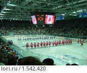 Купить «Сборные канады и россии», фото № 1542420, снято 1 сентября 2007 г. (c) макаров виктор / Фотобанк Лори