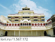 Купить «Дворец в Джайпуре», эксклюзивное фото № 1567172, снято 10 апреля 2020 г. (c) Free Wind / Фотобанк Лори