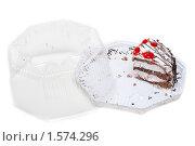 Купить «Кусочек торта в упаковке», фото № 1574296, снято 20 декабря 2009 г. (c) Руслан Кудрин / Фотобанк Лори