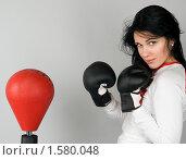 Купить «Девушка в боксерских перчатках», фото № 1580048, снято 3 марта 2010 г. (c) Okssi / Фотобанк Лори