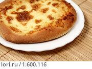 Купить «Сырная лепешка ( хачапури )», фото № 1600116, снято 7 августа 2009 г. (c) ElenArt / Фотобанк Лори