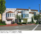 Купить «Особняки в испанском стиле в Сан-Франциско», фото № 1607748, снято 4 февраля 2008 г. (c) Валентина Троль / Фотобанк Лори