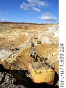 Купить «Панорама карьера», фото № 1609224, снято 21 сентября 2009 г. (c) Хайрятдинов Ринат / Фотобанк Лори