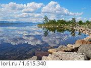 Купить «Облака в озере», фото № 1615340, снято 12 июля 2009 г. (c) Валерий Александрович / Фотобанк Лори