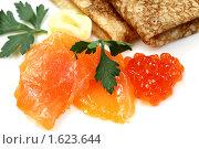 Купить «Икра, семга и русские блины с маслом», фото № 1623644, снято 7 августа 2009 г. (c) ElenArt / Фотобанк Лори
