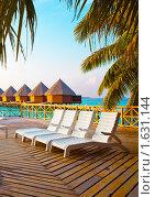 Купить «Виллы на сваях на воде, Мальдивы», фото № 1631144, снято 25 марта 2010 г. (c) Куликов Константин / Фотобанк Лори