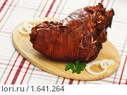 Купить «Рулька свиная отварная с луковой шелухой», эксклюзивное фото № 1641264, снято 19 апреля 2010 г. (c) Лисовская Наталья / Фотобанк Лори