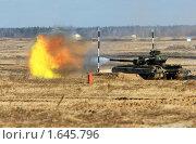 Купить «Танковые учения», фото № 1645796, снято 26 февраля 2008 г. (c) Иван Нестеров / Фотобанк Лори