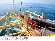 Купить «Укладка трубы газопровода со специализированного судна», фото № 1646608, снято 20 апреля 2010 г. (c) Анна Мартынова / Фотобанк Лори