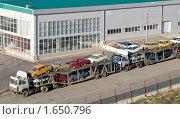 Вывоз автомобилей на утилизацию. Стоковое фото, фотограф Владимир Гуторов / Фотобанк Лори