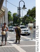 Купить «На улице Афула. Израиль», фото № 1652764, снято 23 августа 2009 г. (c) Кузнецов Дмитрий / Фотобанк Лори