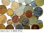 Купить «Монеты мира на белом фоне», эксклюзивное фото № 1665912, снято 27 января 2009 г. (c) Александр Павлов / Фотобанк Лори