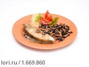 Купить «Рыба с грибами», фото № 1669860, снято 7 декабря 2009 г. (c) Анна Игонина / Фотобанк Лори