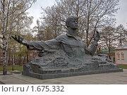Купить «Памятник Сергею Есенину в Рязани», эксклюзивное фото № 1675332, снято 24 апреля 2010 г. (c) Виктор Тараканов / Фотобанк Лори