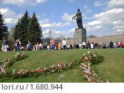 Купить «На Пискарёвском кладбище в День Победы», фото № 1680944, снято 9 мая 2009 г. (c) Светлана Кудрина / Фотобанк Лори