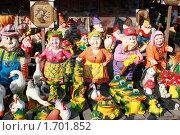 Купить «Выставка ярмарка керамика и глиняные фигурки», фото № 1701852, снято 7 мая 2010 г. (c) Alechandro / Фотобанк Лори