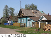 Купить «Дома на деревенской улице», фото № 1702312, снято 10 мая 2010 г. (c) Емельянов Валерий / Фотобанк Лори