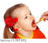 Купить «Ребенку чистят зубы щеткой», фото № 1707972, снято 9 января 2009 г. (c) Gennadiy Poznyakov / Фотобанк Лори