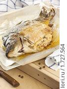 Купить «Карп, фаршированный мясом курицы с хлебом и грибами», эксклюзивное фото № 1727564, снято 24 мая 2010 г. (c) Лисовская Наталья / Фотобанк Лори