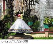 Купить «Скульптура танцующей девушки. Индия.», фото № 1729008, снято 3 декабря 2005 г. (c) Марина Бандуркина / Фотобанк Лори