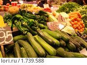 Цукини, кабачки, перец на прилавке. Стоковое фото, фотограф Ирина Королева / Фотобанк Лори