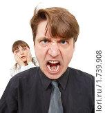 Мужчина в ярости. Женщина в ужасе. Стоковое фото, фотограф pzAxe / Фотобанк Лори