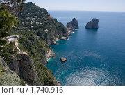 Купить «Скалы Faraglioni, остров Капри, Италия», фото № 1740916, снято 8 мая 2010 г. (c) GrayFox / Фотобанк Лори