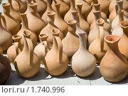 Купить «Рынок, посуда», фото № 1740996, снято 4 мая 2010 г. (c) Parmenov Pavel / Фотобанк Лори