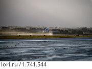 Купить «Взлёт самолёта», фото № 1741544, снято 3 ноября 2009 г. (c) Дмитрий Краснов / Фотобанк Лори