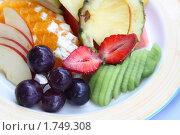 Купить «Нарезка из фруктов. Крупно», фото № 1749308, снято 25 мая 2010 г. (c) Gagara / Фотобанк Лори