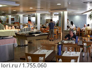 """Купить «""""Шведский стол"""" в ресторане отеля», фото № 1755060, снято 27 июня 2008 г. (c) Юрий Синицын / Фотобанк Лори"""