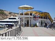 Купить «Балаклава, набережная», фото № 1755596, снято 3 мая 2010 г. (c) Parmenov Pavel / Фотобанк Лори