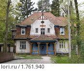 Купить «Старый дом в Светлогорске», эксклюзивное фото № 1761940, снято 16 мая 2010 г. (c) Алина Голышева / Фотобанк Лори