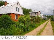 Купить «Дачный поселок», эксклюзивное фото № 1772324, снято 14 июня 2010 г. (c) Ирина Кожемякина / Фотобанк Лори