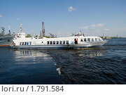 Купить «Швартующийся катер на подводных крыльях. Метеор», эксклюзивное фото № 1791584, снято 16 мая 2010 г. (c) Александр Щепин / Фотобанк Лори