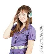 Купить «Девушка слушает музыку», фото № 1792696, снято 5 июня 2010 г. (c) Яков Филимонов / Фотобанк Лори
