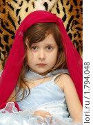 Девочка в красном платке. Стоковое фото, фотограф Шадров Юрий / Фотобанк Лори