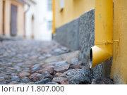 Купить «Старая водосточная труба», фото № 1807000, снято 4 мая 2010 г. (c) Константин Ёлшин / Фотобанк Лори
