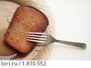 Жареный хлеб на тарелке. Стоковое фото, фотограф Карина Дорожкина / Фотобанк Лори