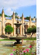 Купить «Фасад нарзанной галереи в курортном парке Кисловодска», фото № 1845808, снято 8 июля 2010 г. (c) Анна Мартынова / Фотобанк Лори