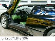 Купить «Автомобиль Lamborghini Diablo», фото № 1848996, снято 17 июля 2010 г. (c) Самофалов Владимир Иванович / Фотобанк Лори