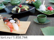 Купить «Обед в японском ресторане», фото № 1858744, снято 23 июня 2010 г. (c) Александр Подшивалов / Фотобанк Лори