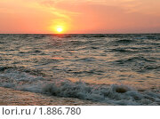 Купить «Закат на море», фото № 1886780, снято 25 августа 2008 г. (c) Щеголева Ольга / Фотобанк Лори
