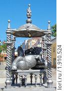 Купить «Памятник Коту Казанскому, Казань, Татарстан», фото № 1910524, снято 5 июля 2010 г. (c) Роман Ушаков / Фотобанк Лори