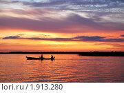 Закат на озере. Стоковое фото, фотограф Гордиенко Олег / Фотобанк Лори