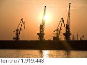 Морской порт (2010 год). Редакционное фото, фотограф Katerina Uno / Фотобанк Лори