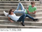Купить «Ступени, он и она», фото № 1932308, снято 16 августа 2010 г. (c) Королевский Василий Федорович / Фотобанк Лори