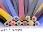Разноцветные карандаши. Стоковое фото, фотограф Nikiandr / Фотобанк Лори