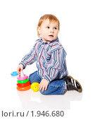 Купить «Мальчик играет», фото № 1946680, снято 13 января 2010 г. (c) Ольга Сапегина / Фотобанк Лори