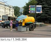 Купить «Бочка с квасом в Нижнем Новгороде», фото № 1948384, снято 6 августа 2010 г. (c) Корчагина Полина / Фотобанк Лори